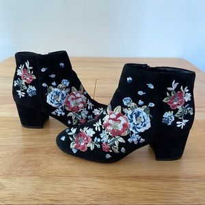 WHBM Embroidered Floral Black Suede Booties Size 6